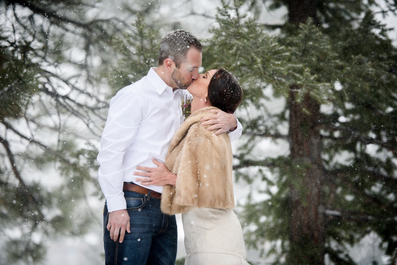 Evergreen-mountain-winter-wedding-photography_0019.jpg