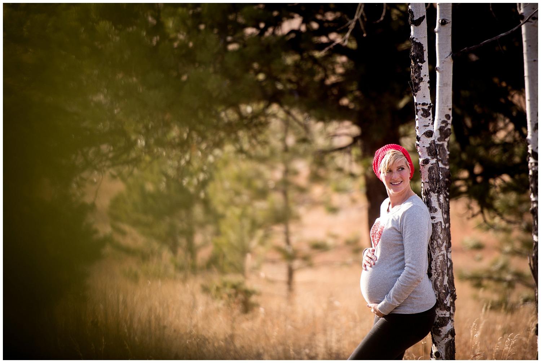 Evergreen-Three-Sisters-Park-Maternity-photography_0016.jpg