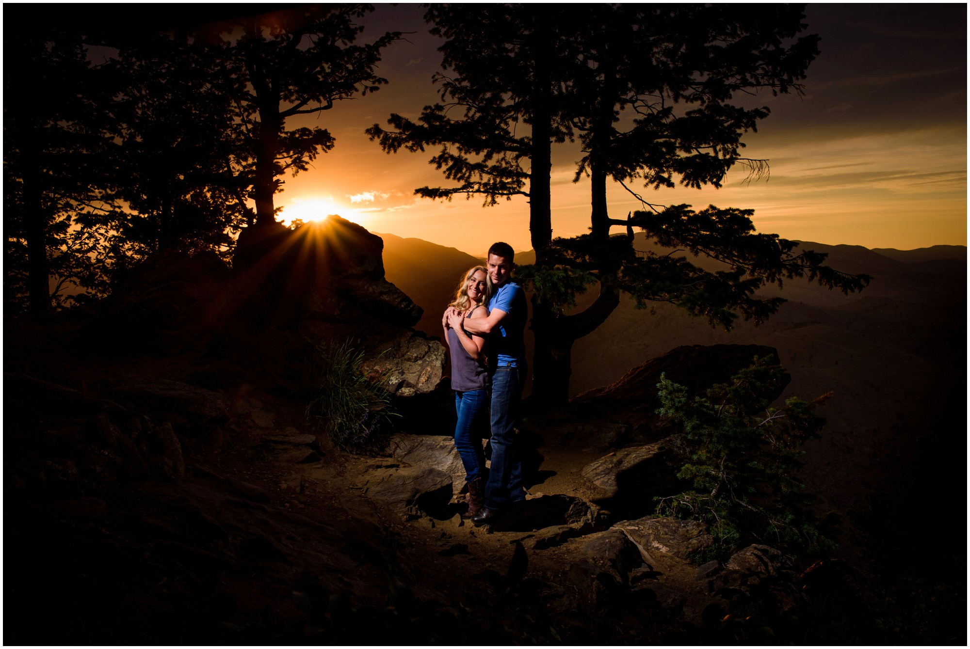143-lookout-mountain-Golden-sunset-engagement-photography.jpg