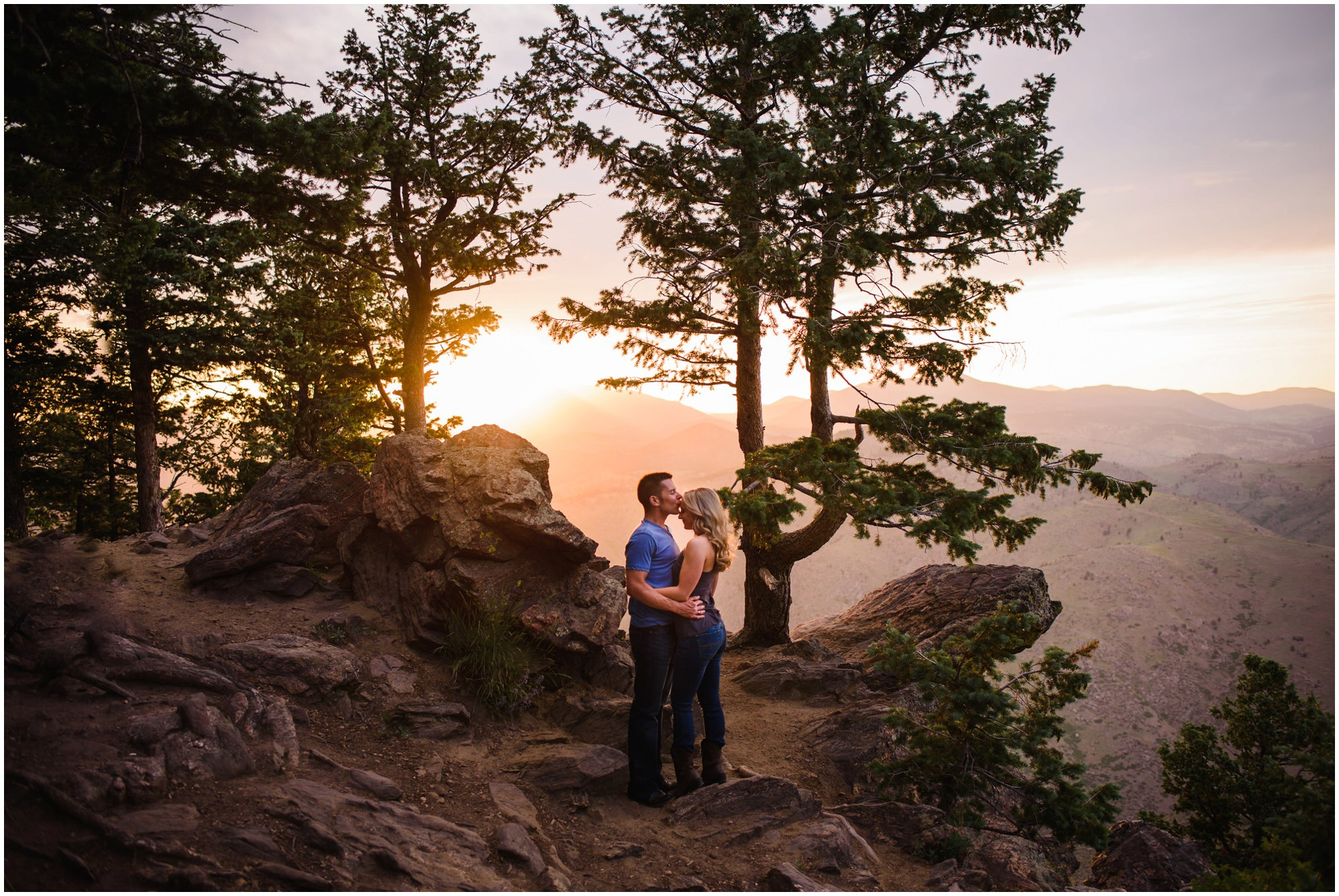 135-lookout-mountain-Golden-sunset-engagement-photography.jpg