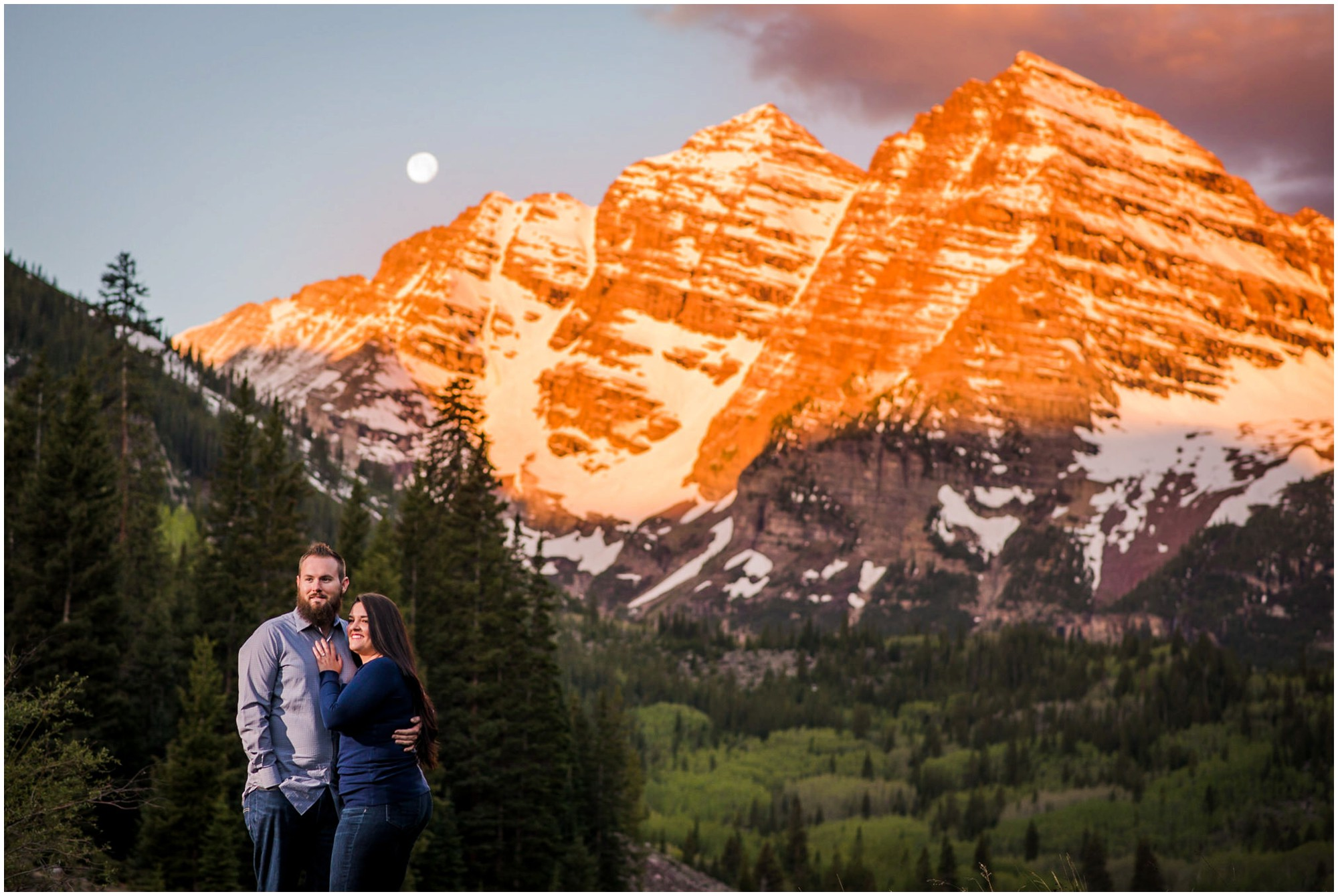 02-Maroon-bells-sunrise-engagement-summer-photography.jpg