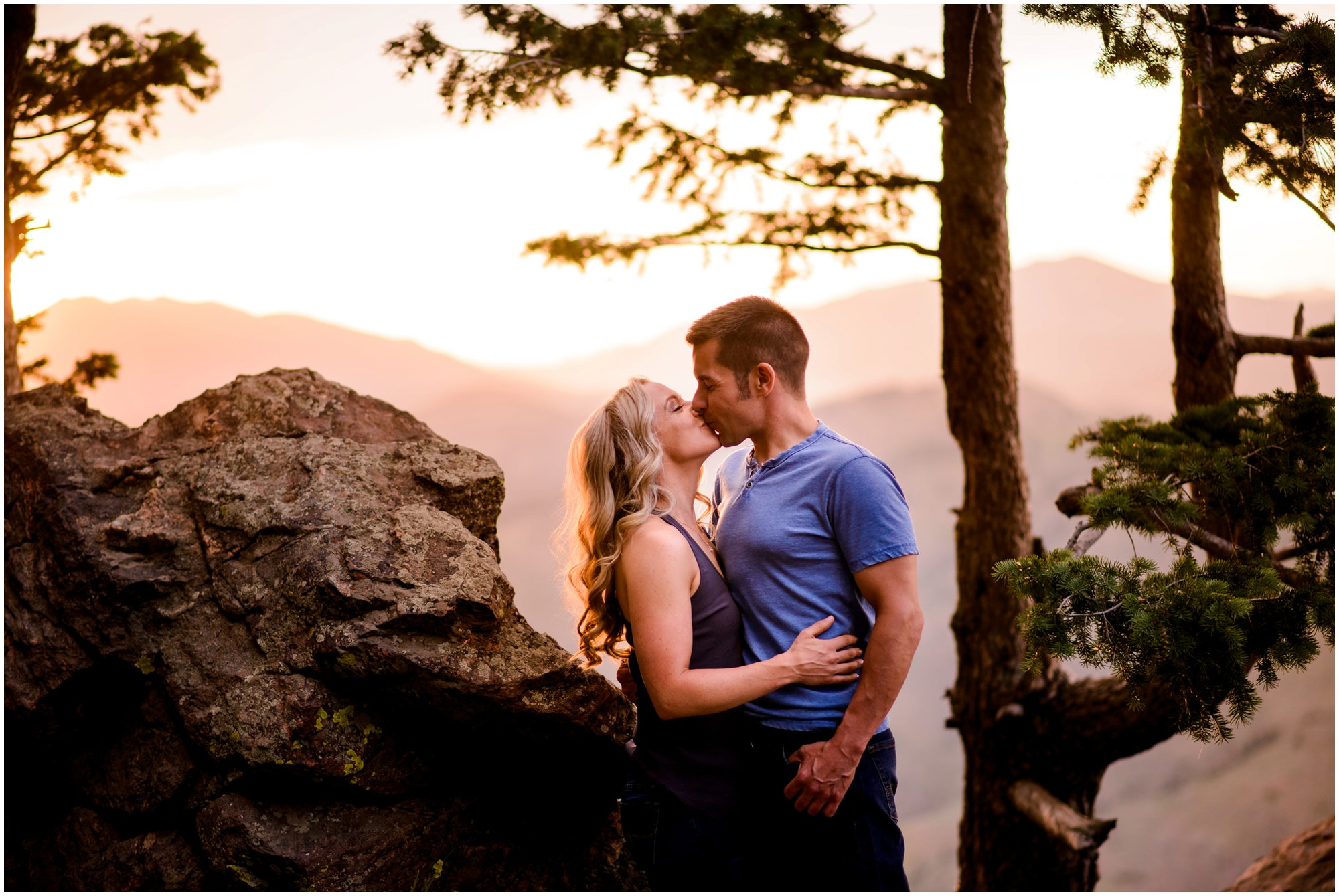 128-lookout-mountain-Golden-sunset-engagement-photography.jpg