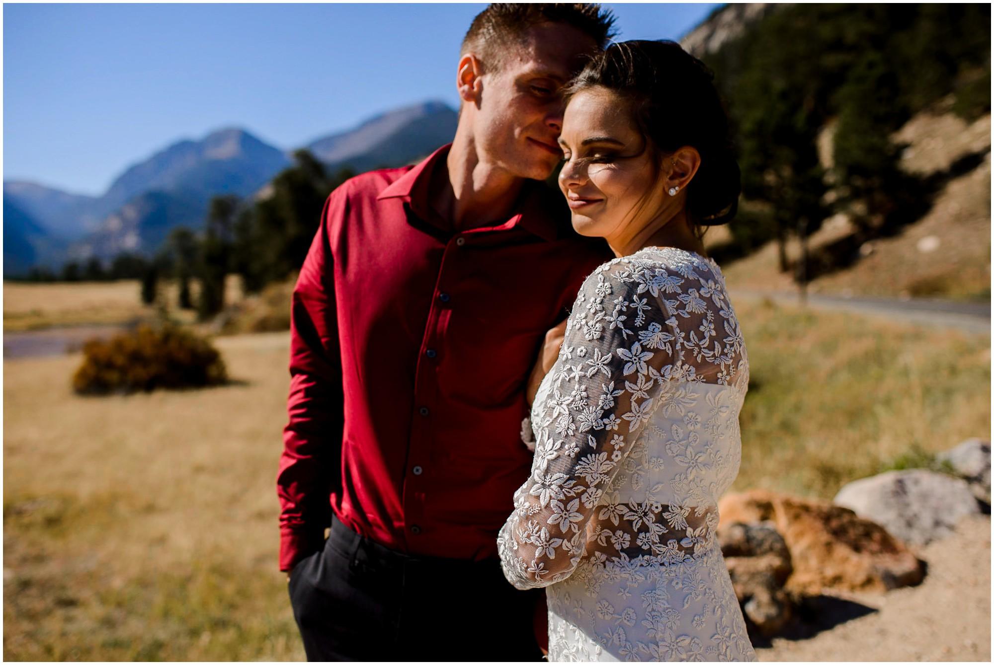 Colorado elopement photo of Bride and groom