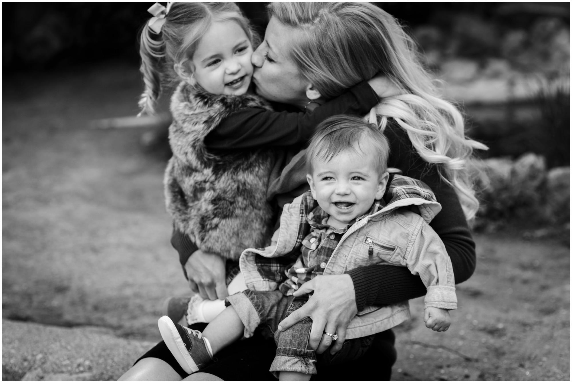 05-Denver-Red-rocks-family-photography-bw.jpg