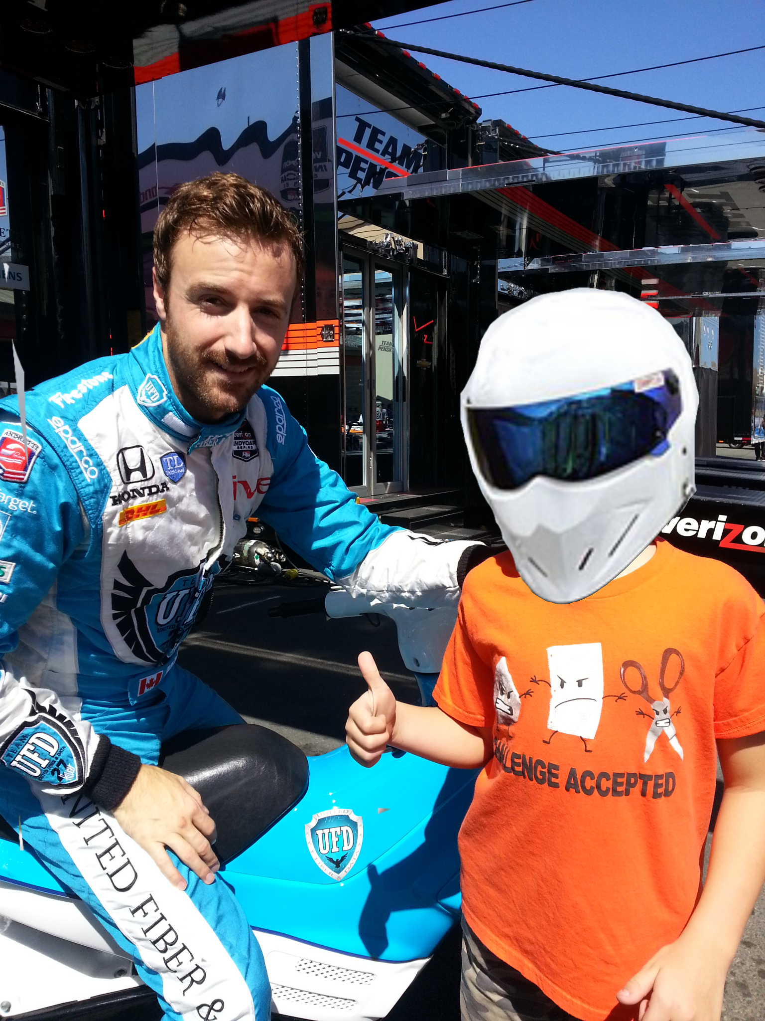 Hinchcliffe hanging out with TLP spawn.
