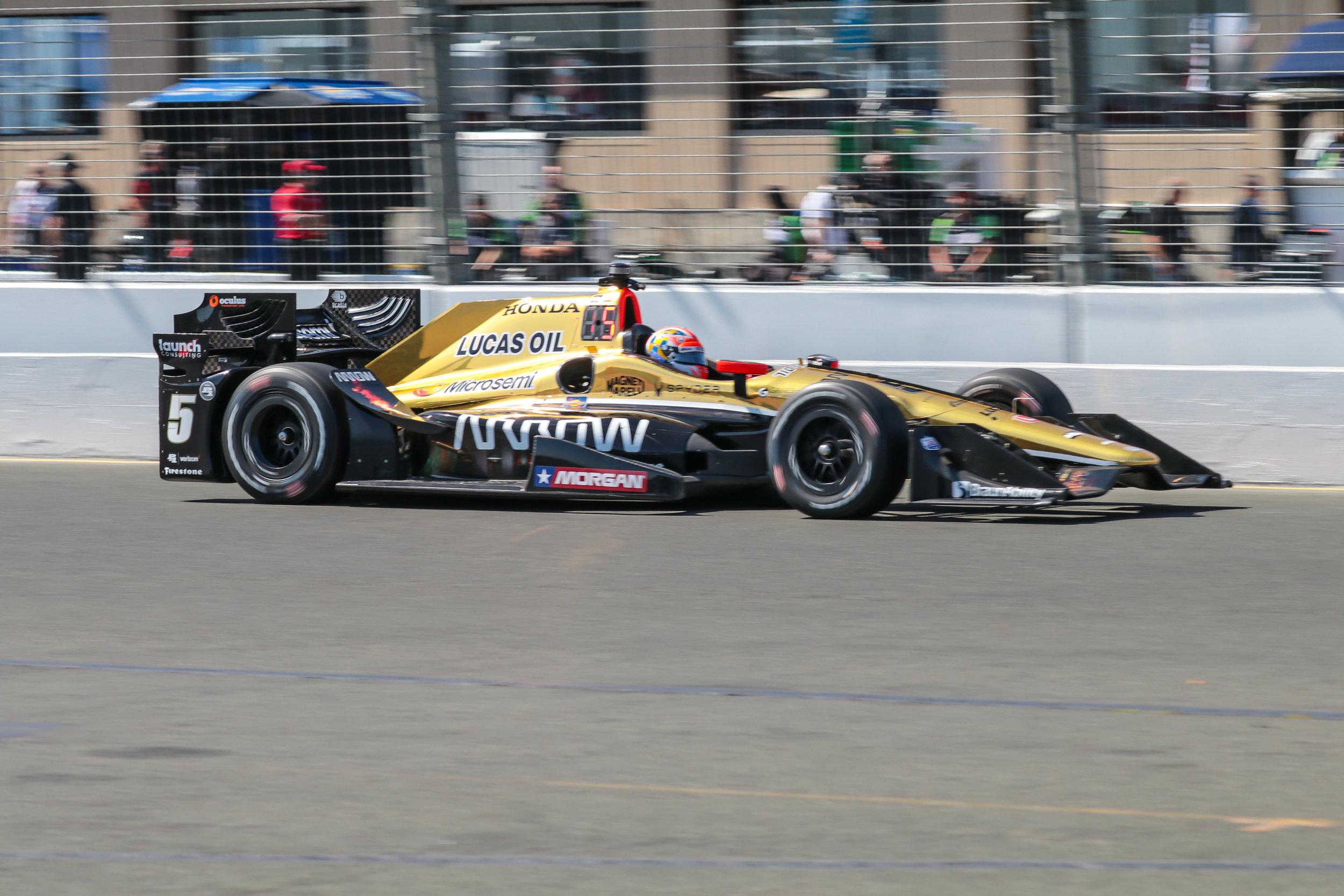 Indy16-2464.jpg