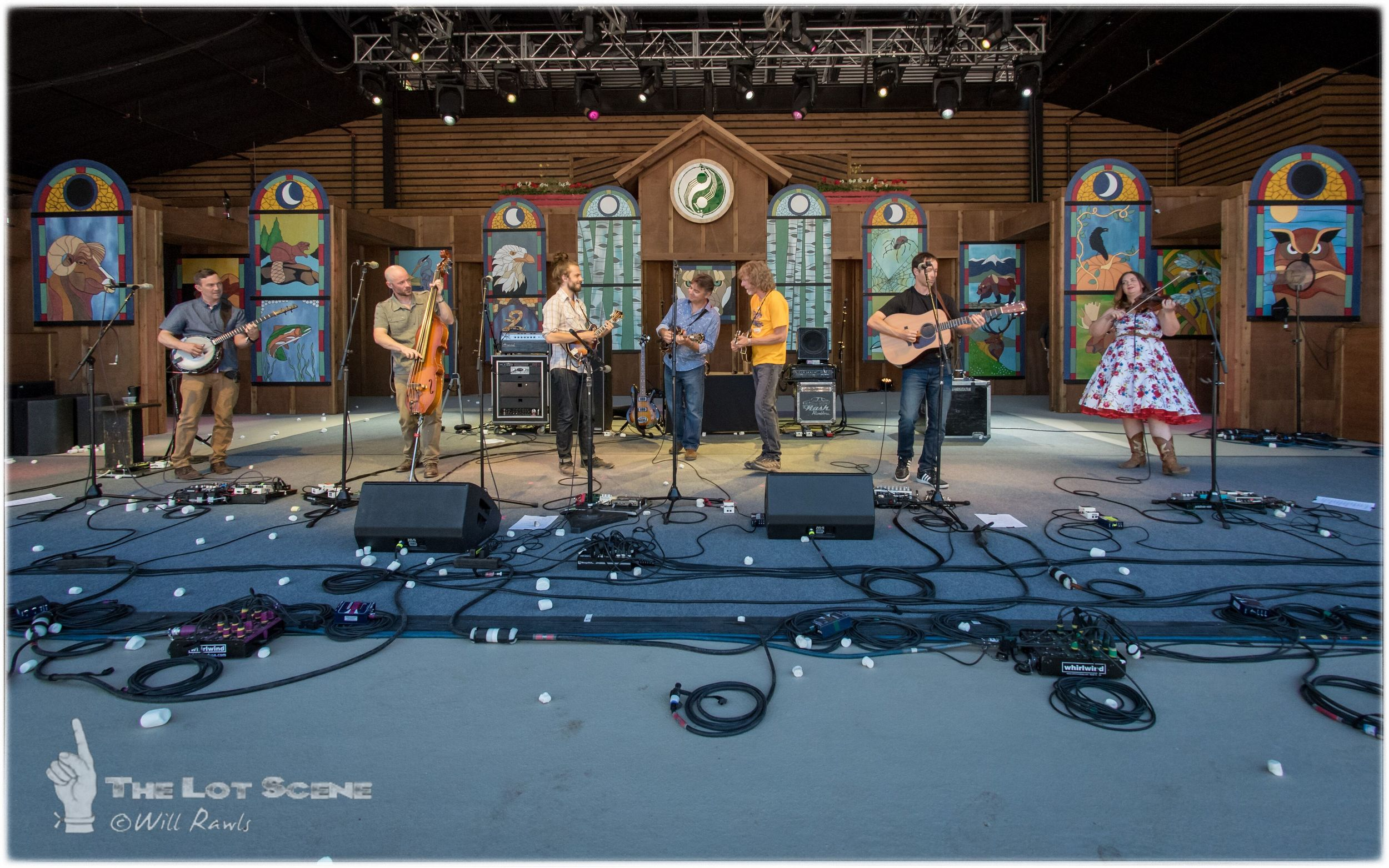 Yonder Mountain String Band with Ronnie McCoury & Sam Bush
