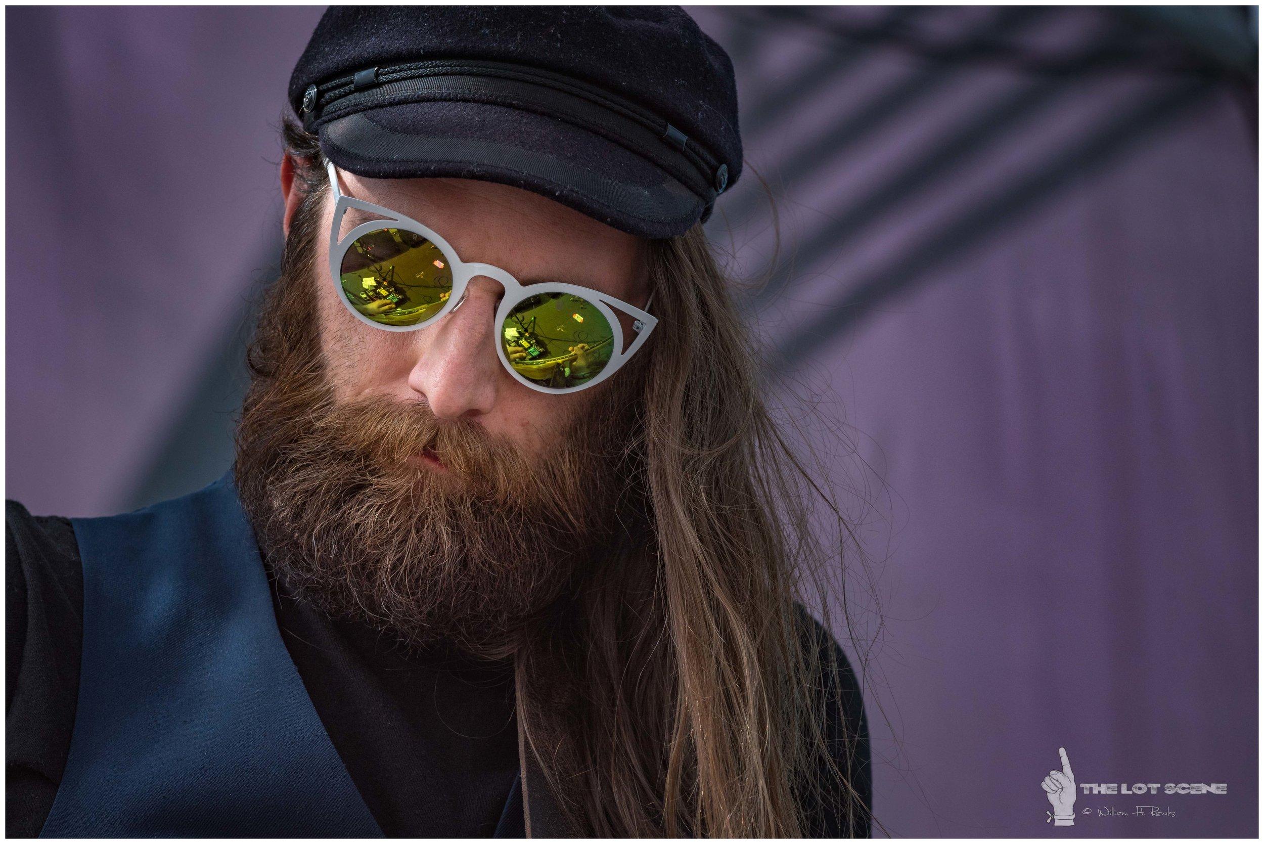 Bender Jamboree 2018 - The Shook Twins - 7.jpg