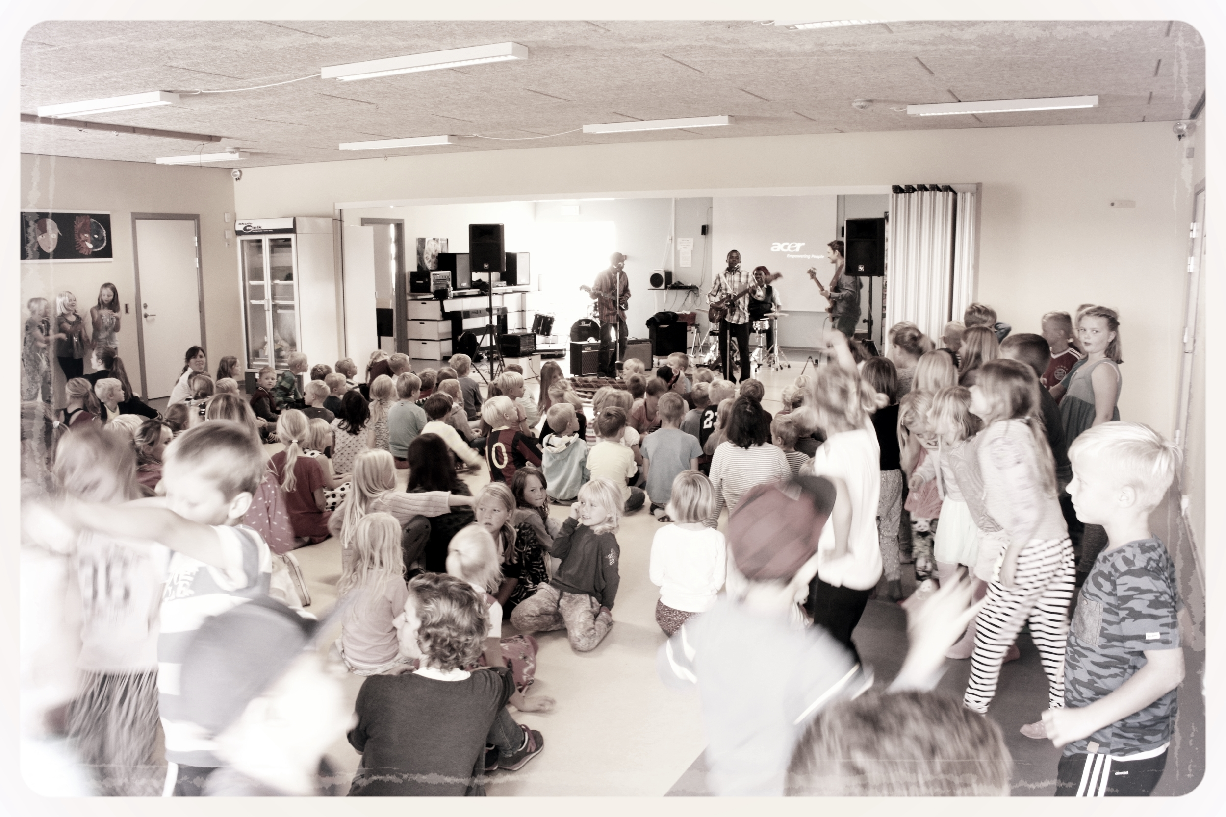 Sounds from the Savannah 2014 on tour at danish schools.