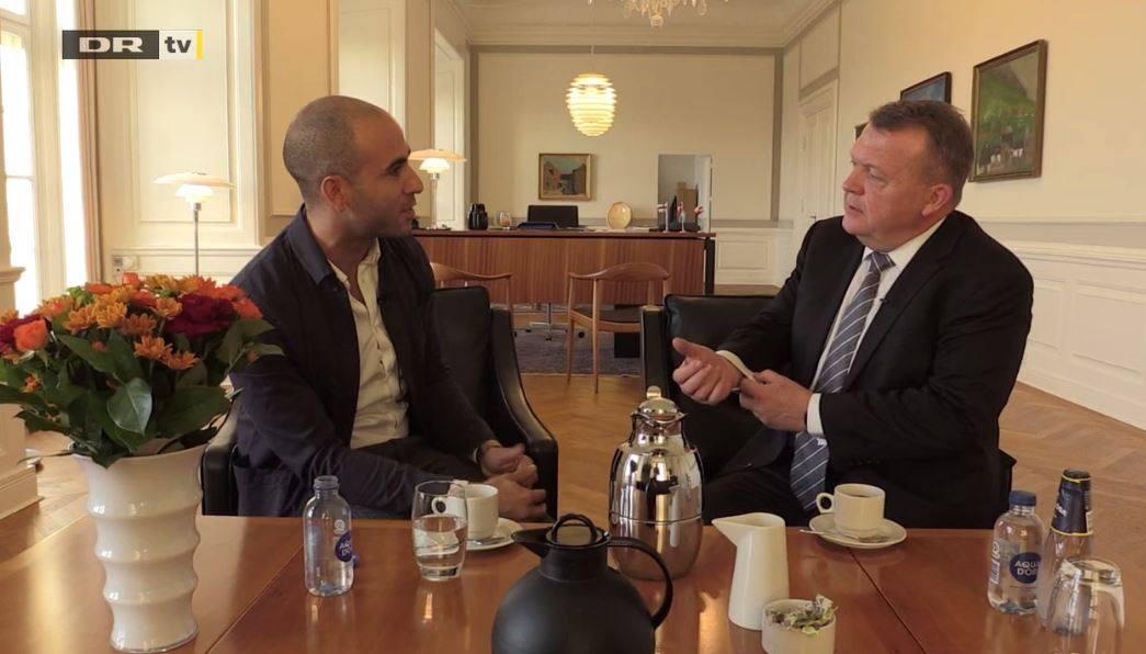 Abdel Aziz interviewing the danish premierminister, Lars Løkke Rasmussen.