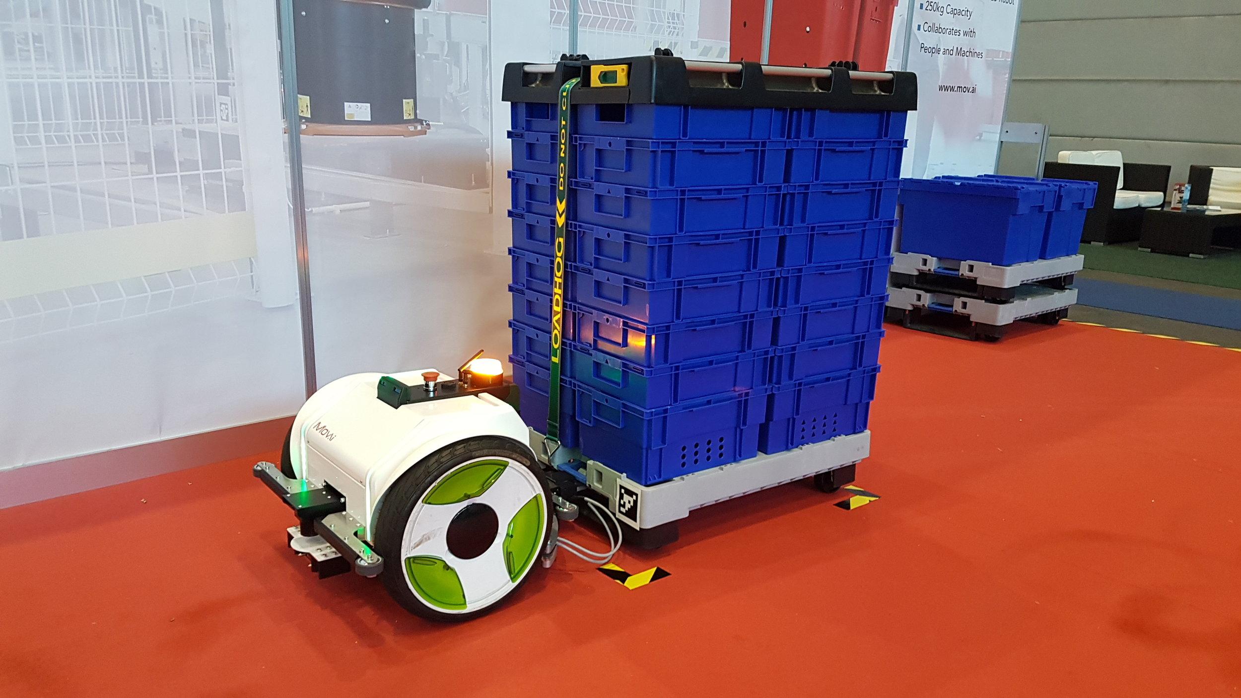 Autonomous robot vehicle from MOV.AU