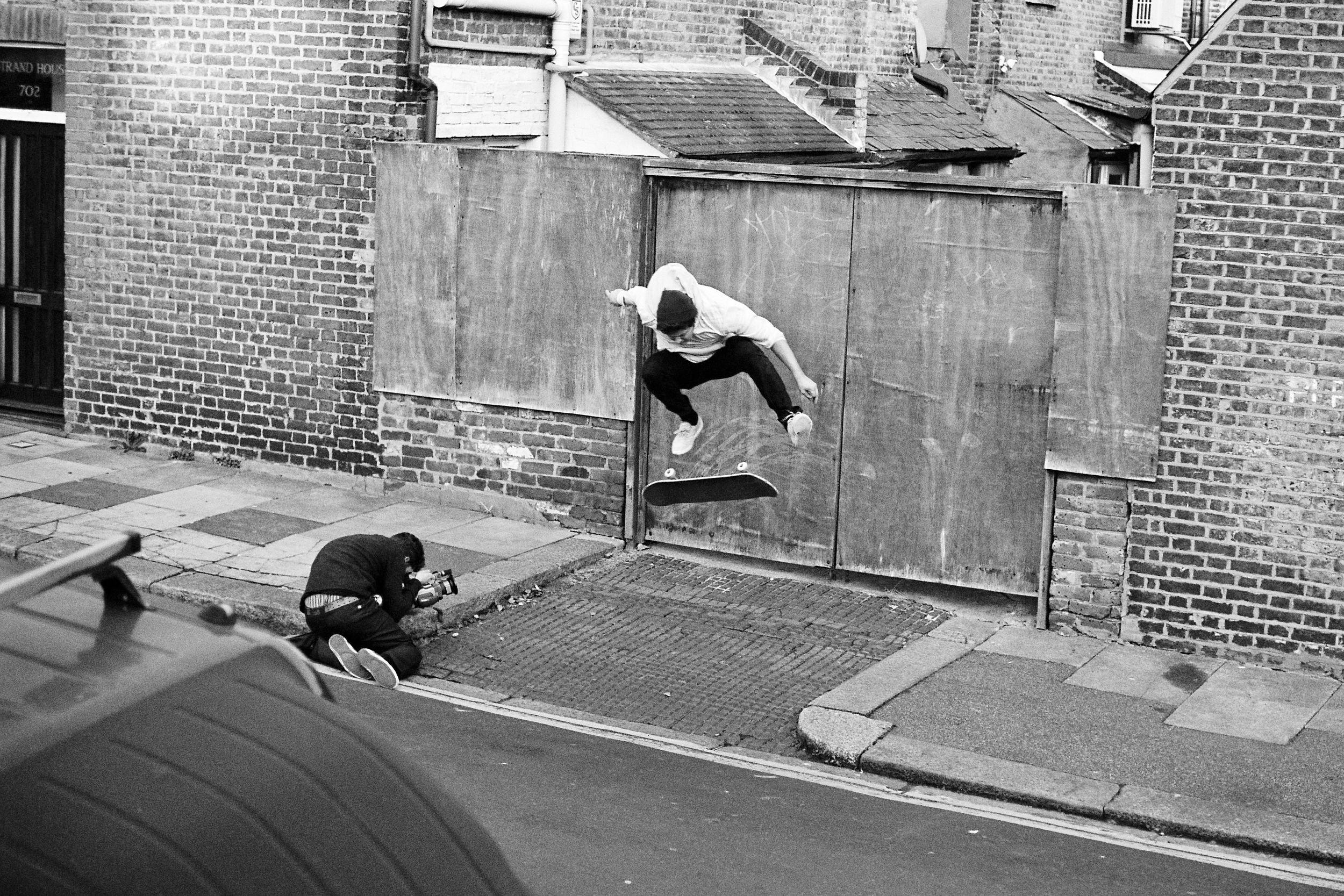Warren Greatrex - Switch Kickflip
