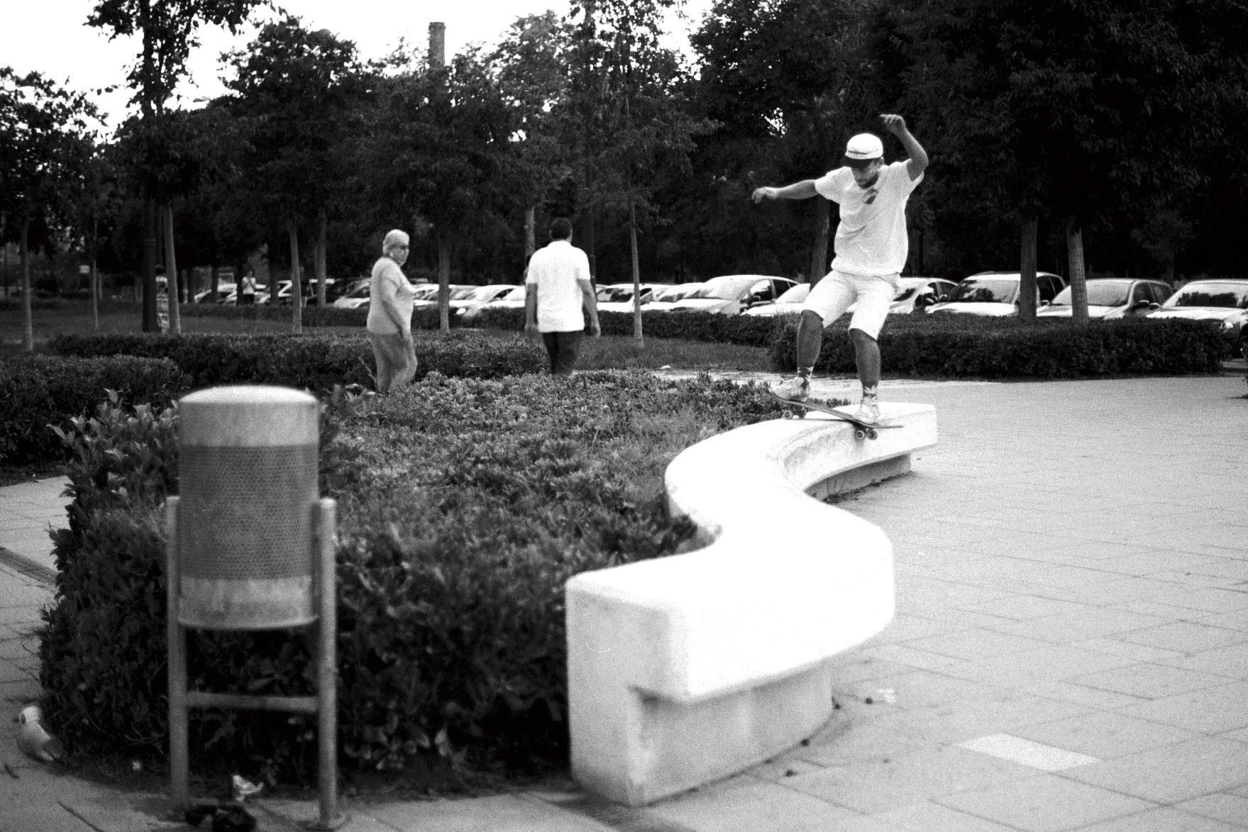 willly-t-skateboarding-valencia.jpg