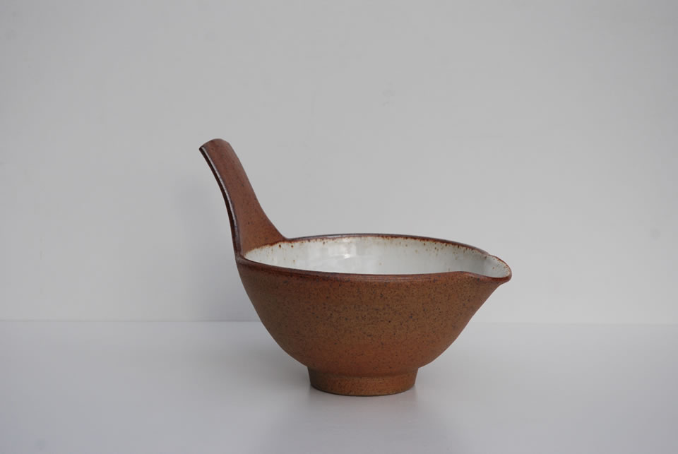 4-Mix-and-Pour-Bowl.jpg