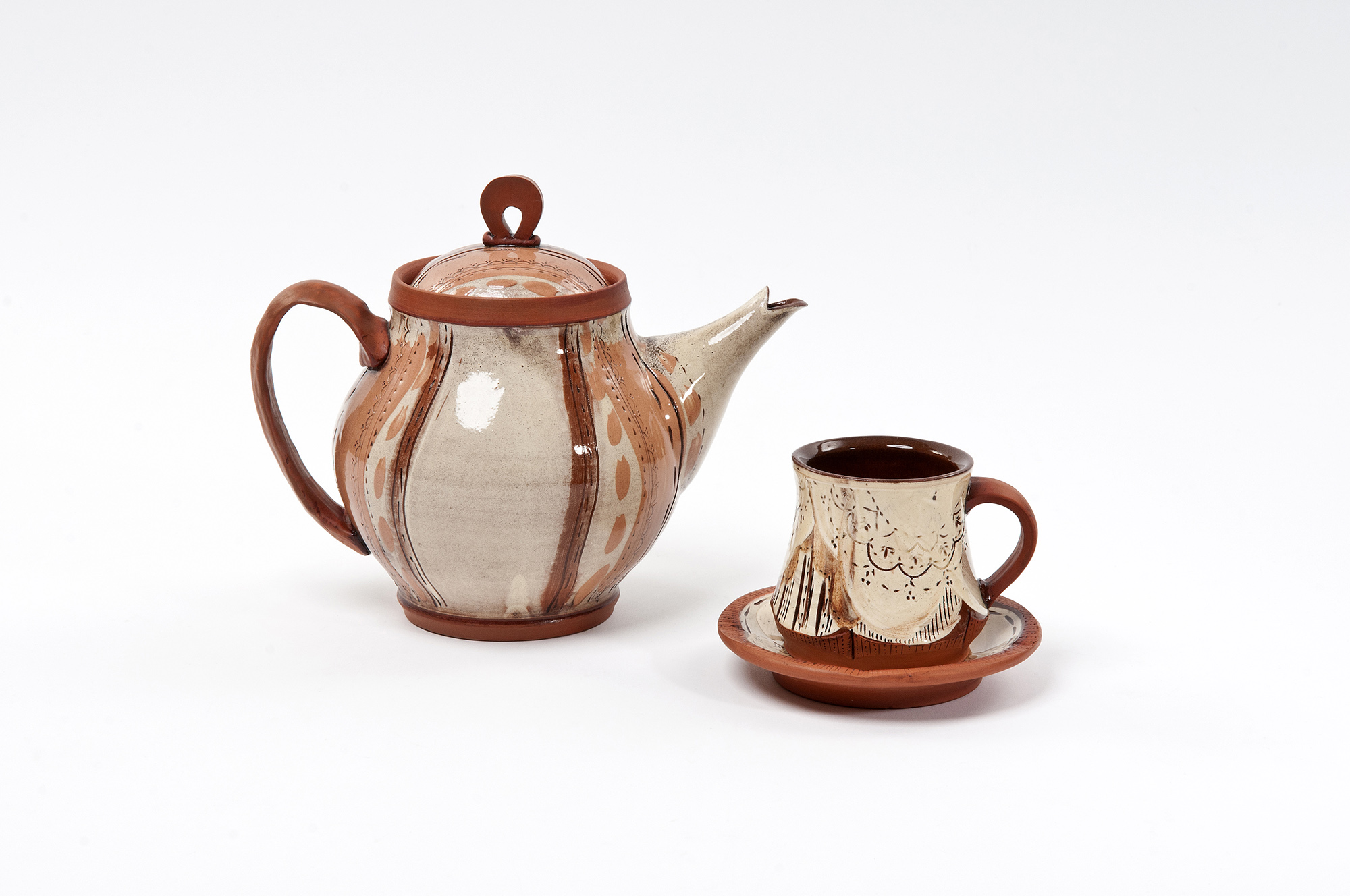 40 VCDAWES_TeapotandCup.jpg