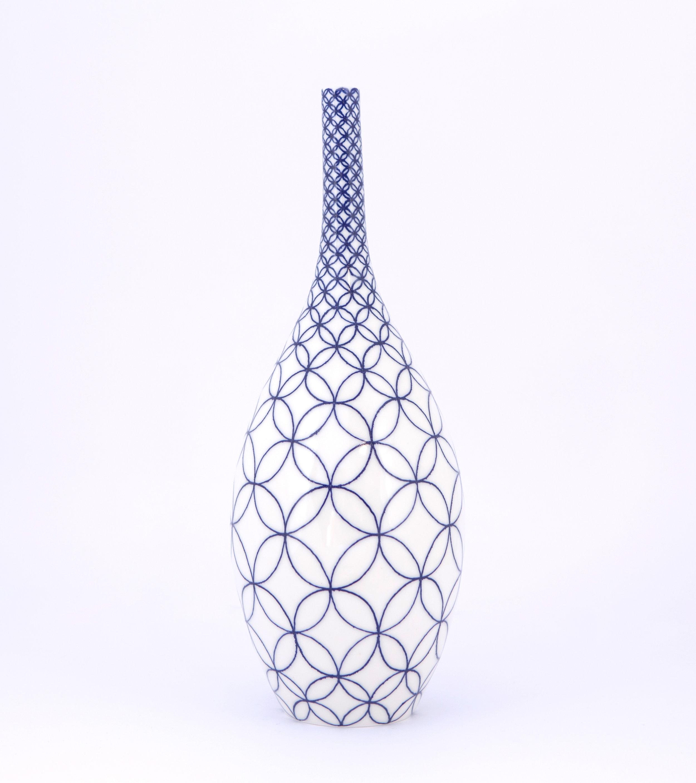 2 Rhian Malin Ceramics Double ring bottle, H-30cm, Photo by Lucy Barriball 2.jpg