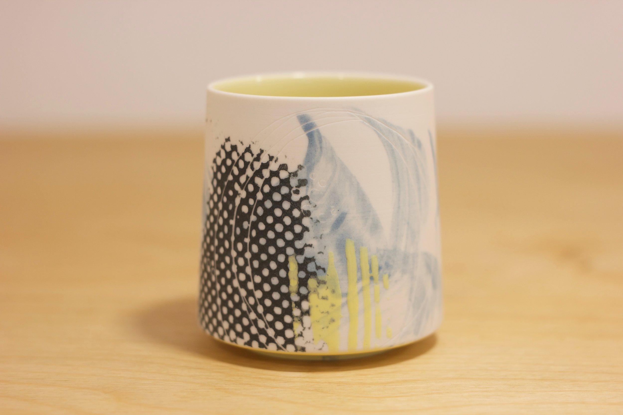 JM008 Yunomi Yellow Lines