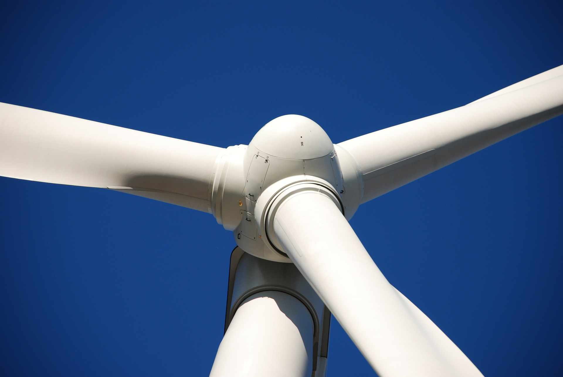 Wind turbine imaging  with drones is safer and more efficient than any alternative.