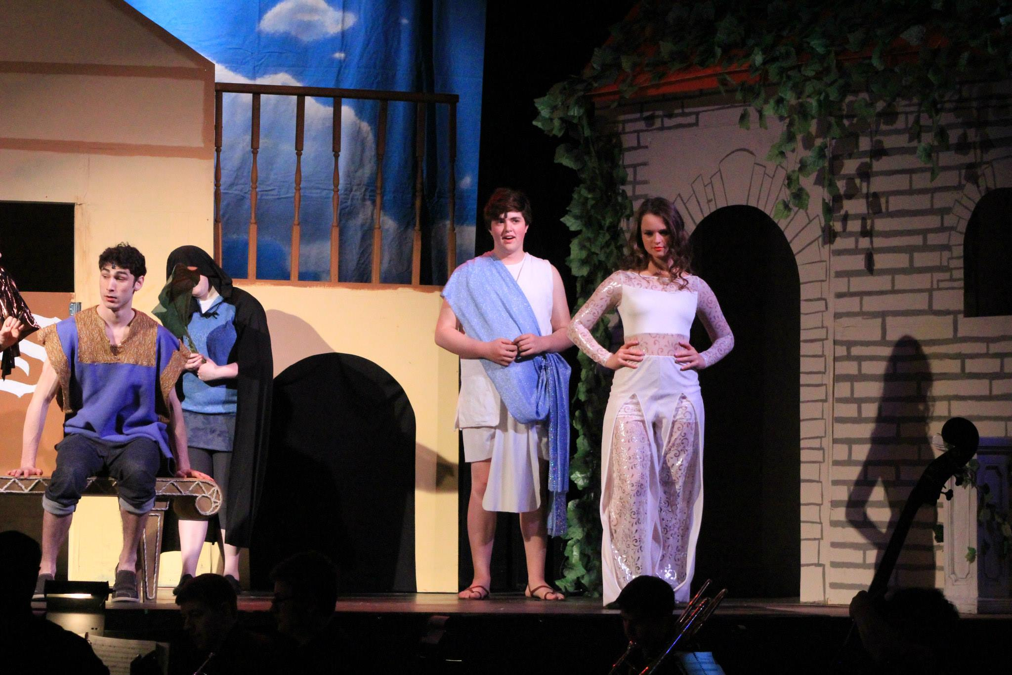 Photos of members of the cast of 'Forum' by Robert Rosa