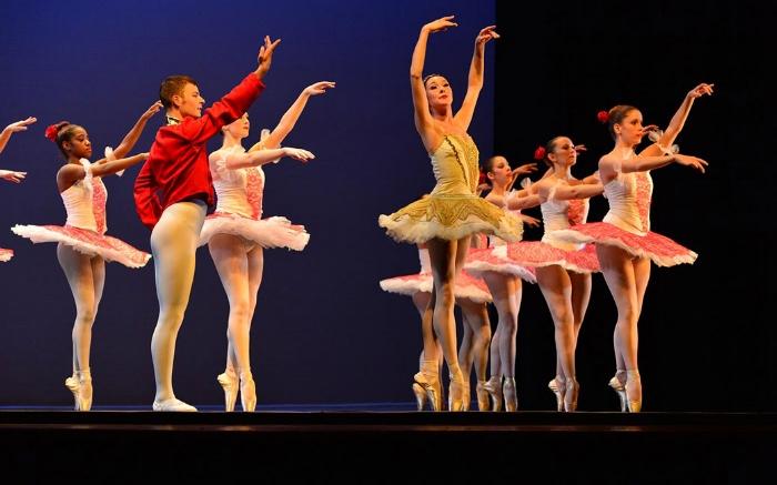 dance-performance-man-women-m.jpg