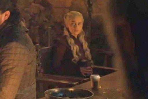 starbucks-coffee-cup-game-of-thrones.jpg