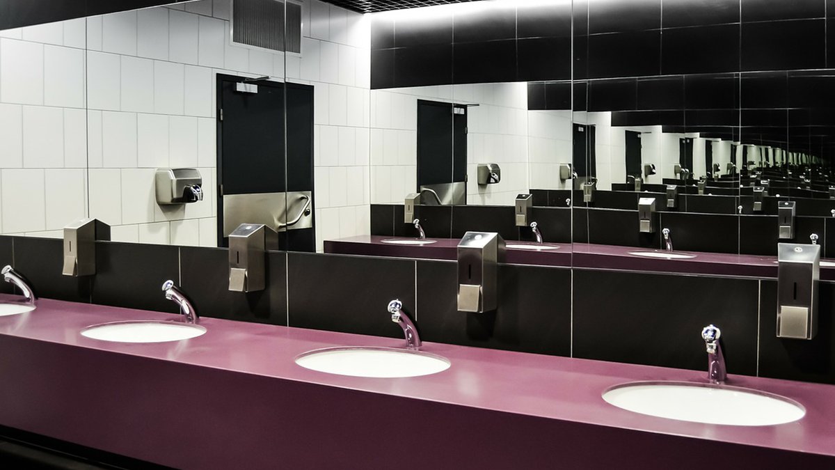 large_bathroom.png