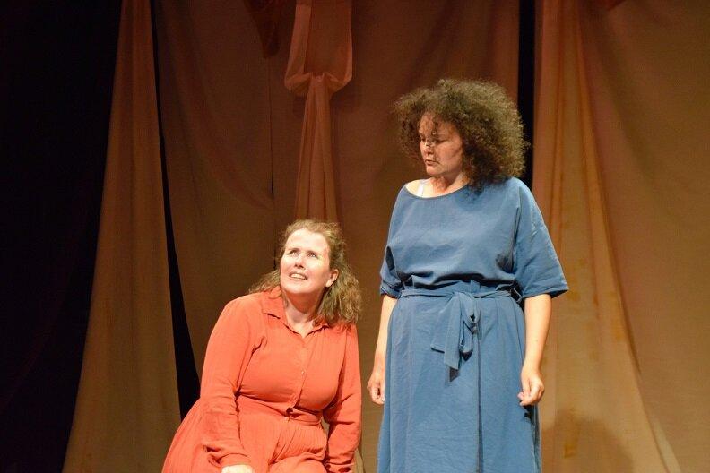 Featured:Mary Teresa Archbold, Jasmine McLeish. Photo by Caroline Knight