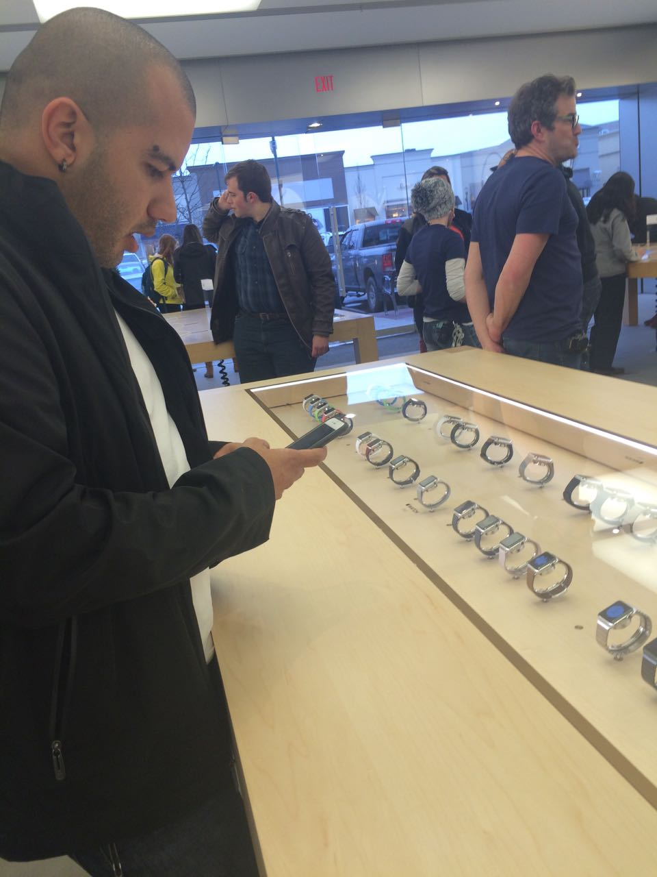 apple_watch_apple Store3.jpg