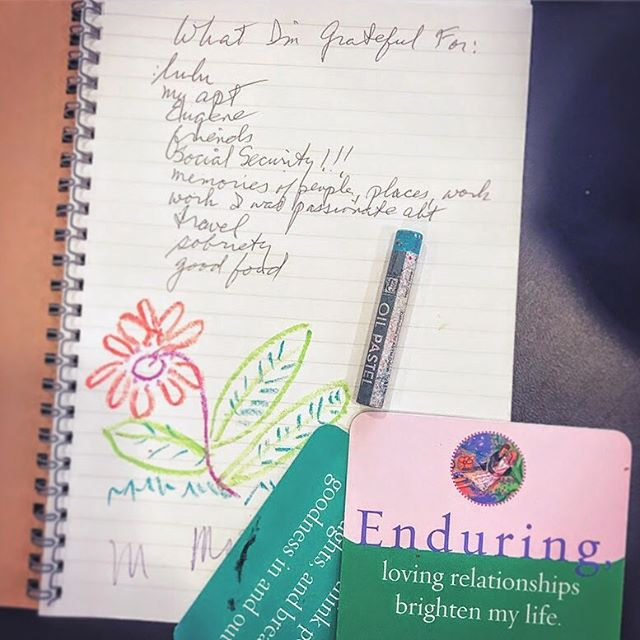 Gratitude. Journaling. 🖍 . . . #artsanddreams #selflovejourney #gratitudepractice #healingart #heretocreate #journaling #nyc #affirmations #writeaboutlove #community #therapeuticart #gratefulheart