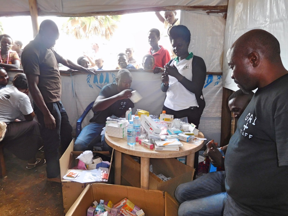 GRI staff dispersing care and medicine to South Sudanese refugees.