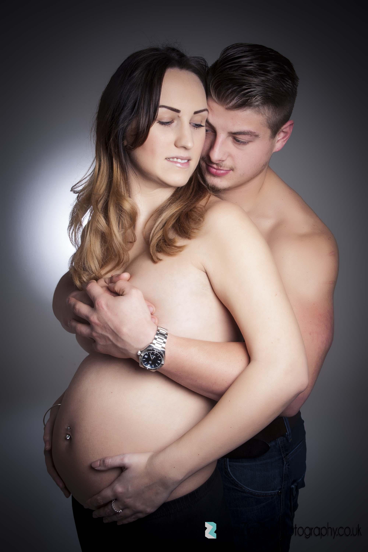 pregnancy-bump-couple-photoshoot-topless.jpg