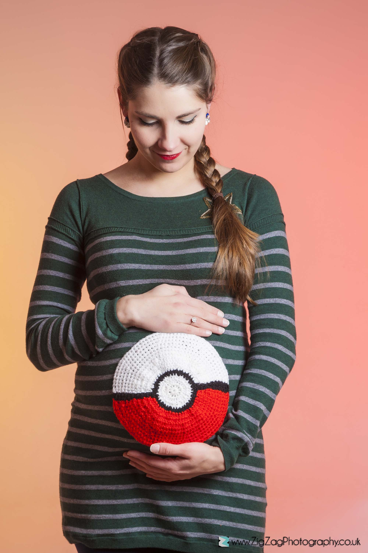 photoshoot-pregnancy-bump-pokemon-orange.jpg