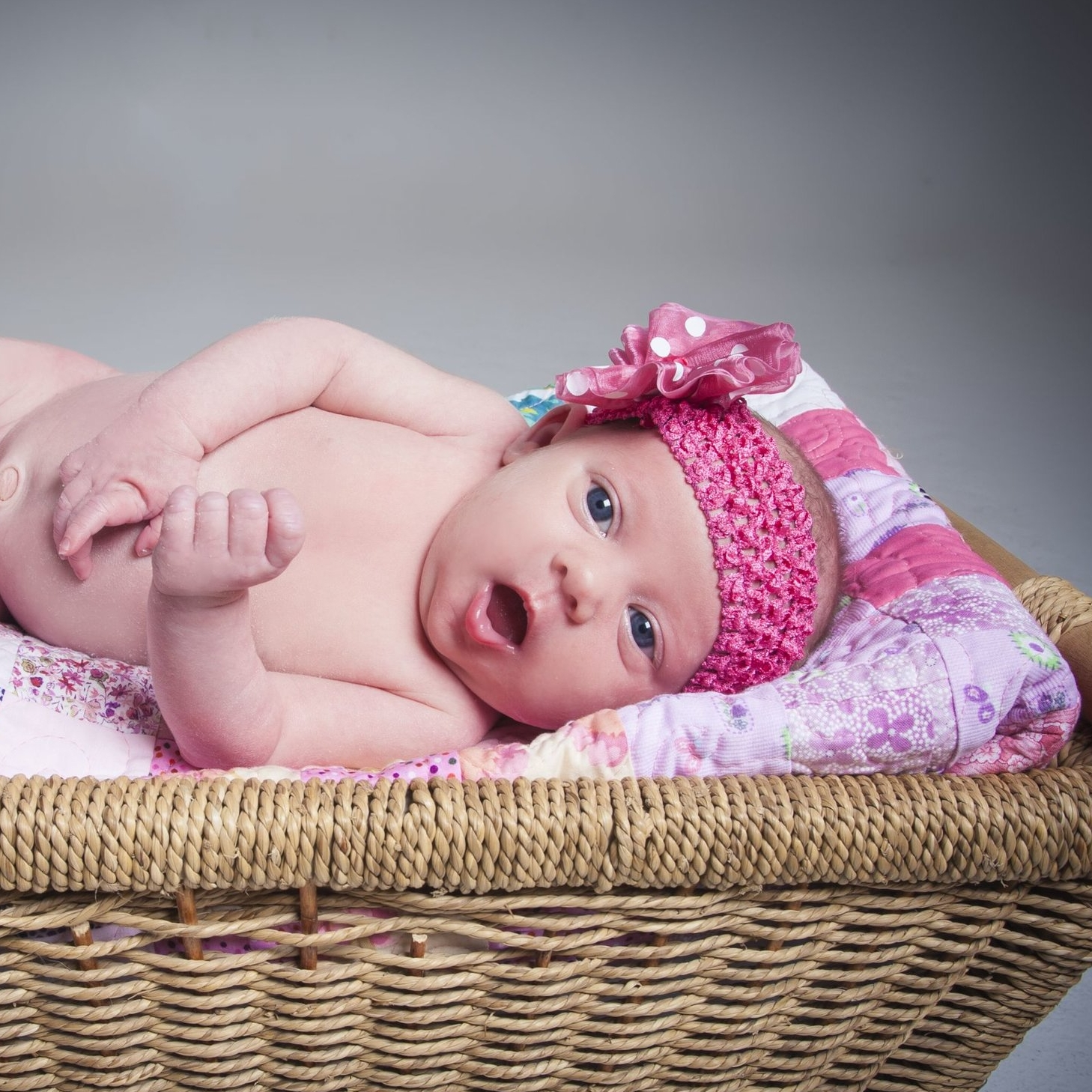 zigzag-photography-leicester-studio-photo-shoot-newborn-baby-girl-boy-clarendon-park-queens-road.jpg