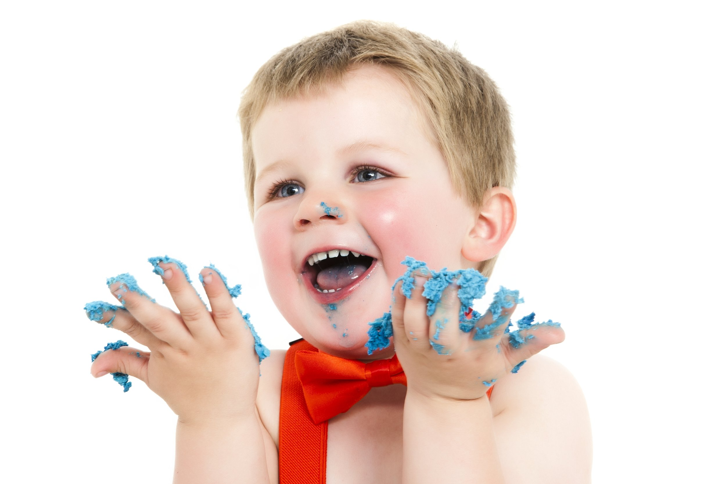 photography-studio-leicester-photo-shoot-photographer-baby-cakesmash-cake-smash-birthday-first-zigzag-zig-zag-family-clarendon-park-photographer-queens-road-ideas-props-icing.jpg