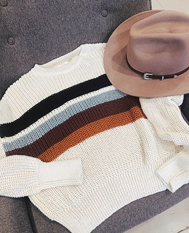 Stripes + little western details have me swooning ⁠ .⁠ .⁠ .⁠ .⁠ .⁠ #girlfriday #ketchum #sunvalley #visitsunvalley #idahoexplored #shoplocal #shopsmall #boutiqueshopping #idahome #idaho #sweaters #fallsweaters #fallfashion #fallhats #felthats #Elan
