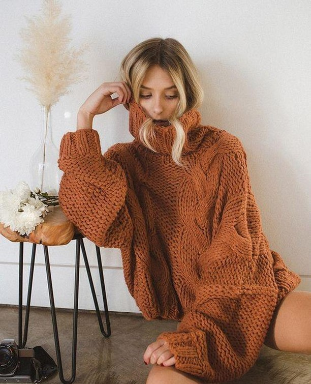It's sweater weather loves, and we've got plenty☺️🍂☕️ .⁠ .⁠ .⁠ .⁠ .⁠ #girlfriday #ketchum #sunvalley #visitsunvalley #idahoexplored #shoplocal #shopsmall #boutiqueshopping #idahome #idaho #sweaterweather #fall #fallsweaters #fallvibes #orange
