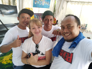 Men from the Kerobokan Prison, where Tina Bailey teaches and mentors, were allowed to join her for an art exhibition at a local art festival. Two of the three men are now free, and the third will be released in July.