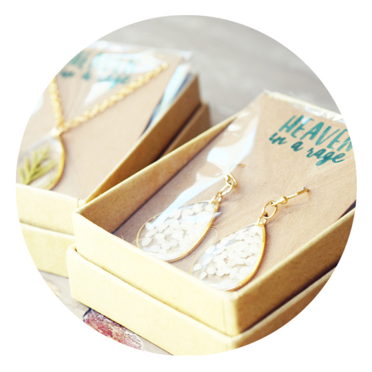 DIY Custom Jewelry Packaging Thumbnail SQUARE.jpg