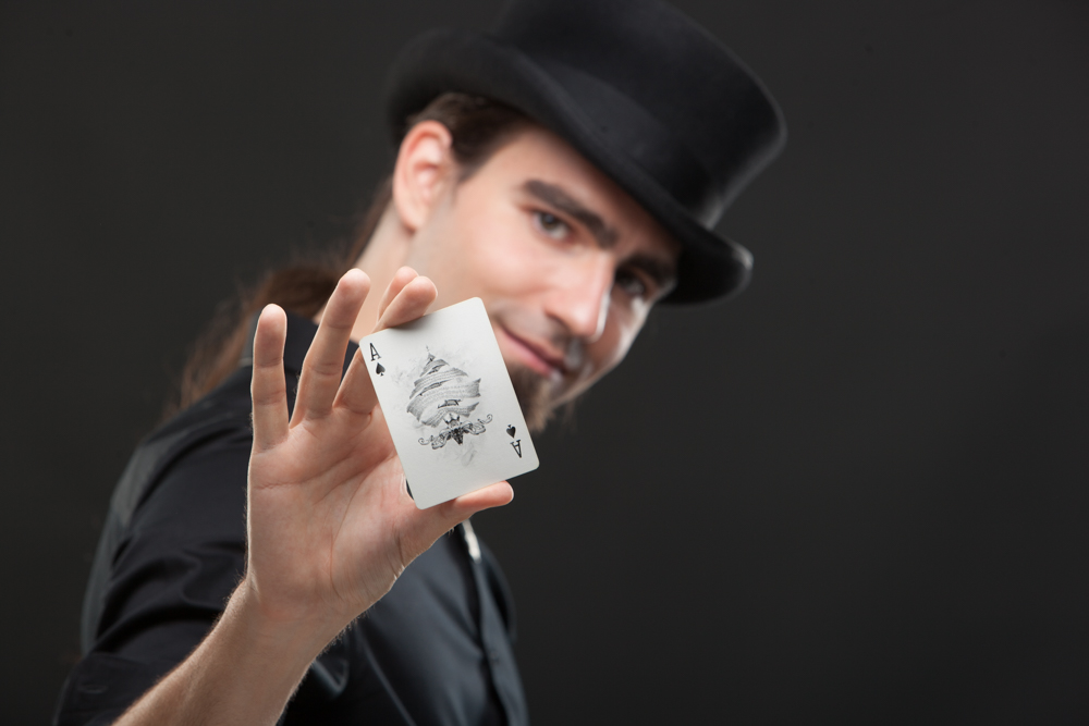 Spencer Scurr is a Toronto Based Close-Up Magician and Professional Entertainer with a Background in Street Magic and Over 10 Years Experience Performing at Parties, Festivals, and Company Events.