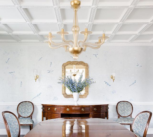 Dining Room with hand painted silk wallpaper and a fully restored coffered ceiling #ABHNobHill renovation . . . . .  #interiorlovers #interiordetails #interiorforinspo #homereno #homedetails #homedecorideas #ihavethisthingwithcolour #myhomevibe #eclecticdecor #interior123 #currentdesignsituation #sodomino #howwedwell #myhousebeautiful #interior_and_living #dailydecordose #fromwhereIstand