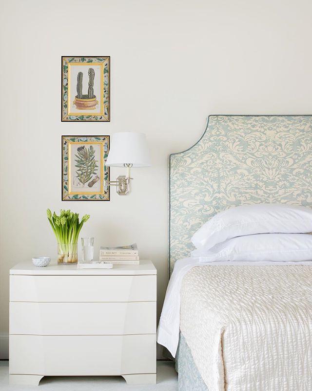 Master Bedroom 2/3 😴 #ABHNobHill renovation . . . . .  #housetour #interiordesign #design #architecture #renovation #homedecor #interiorlovers #interiorboom #interiordesire #interiordetails #interiorforinspo #homereno #homedetails #homedecorideas #myhomevibe #interior123 #currentdesignsituation #sodomino #howwedwell #myhousebeautiful #housegoals #interior_and_living #dailydecordose #fromwhereIstand