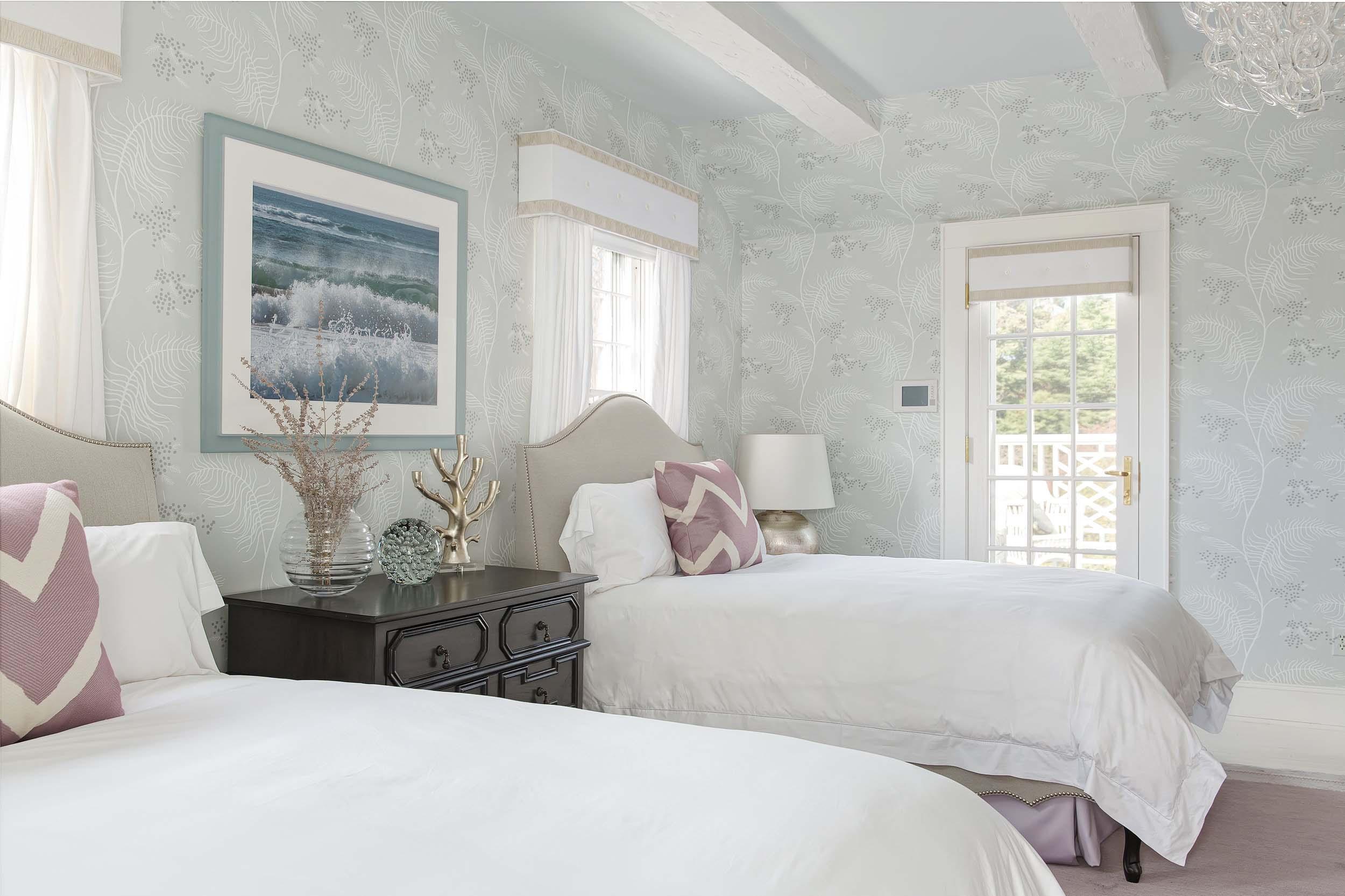 guest bedroom lavender 2.jpg