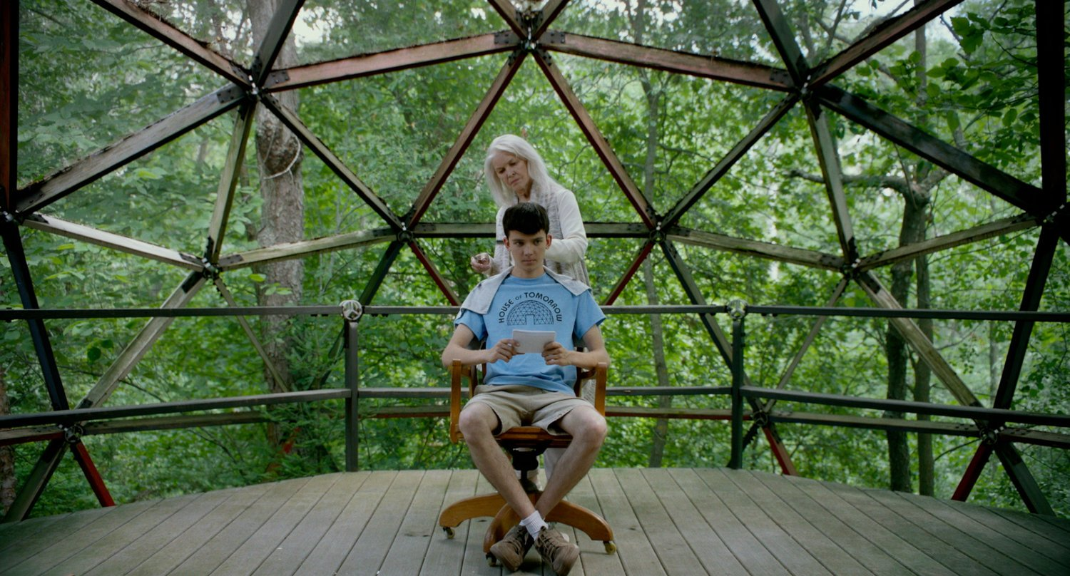 Ellen-Burstyn-and-Asa-Butterfield-The-House-of-Tomorrow.jpg