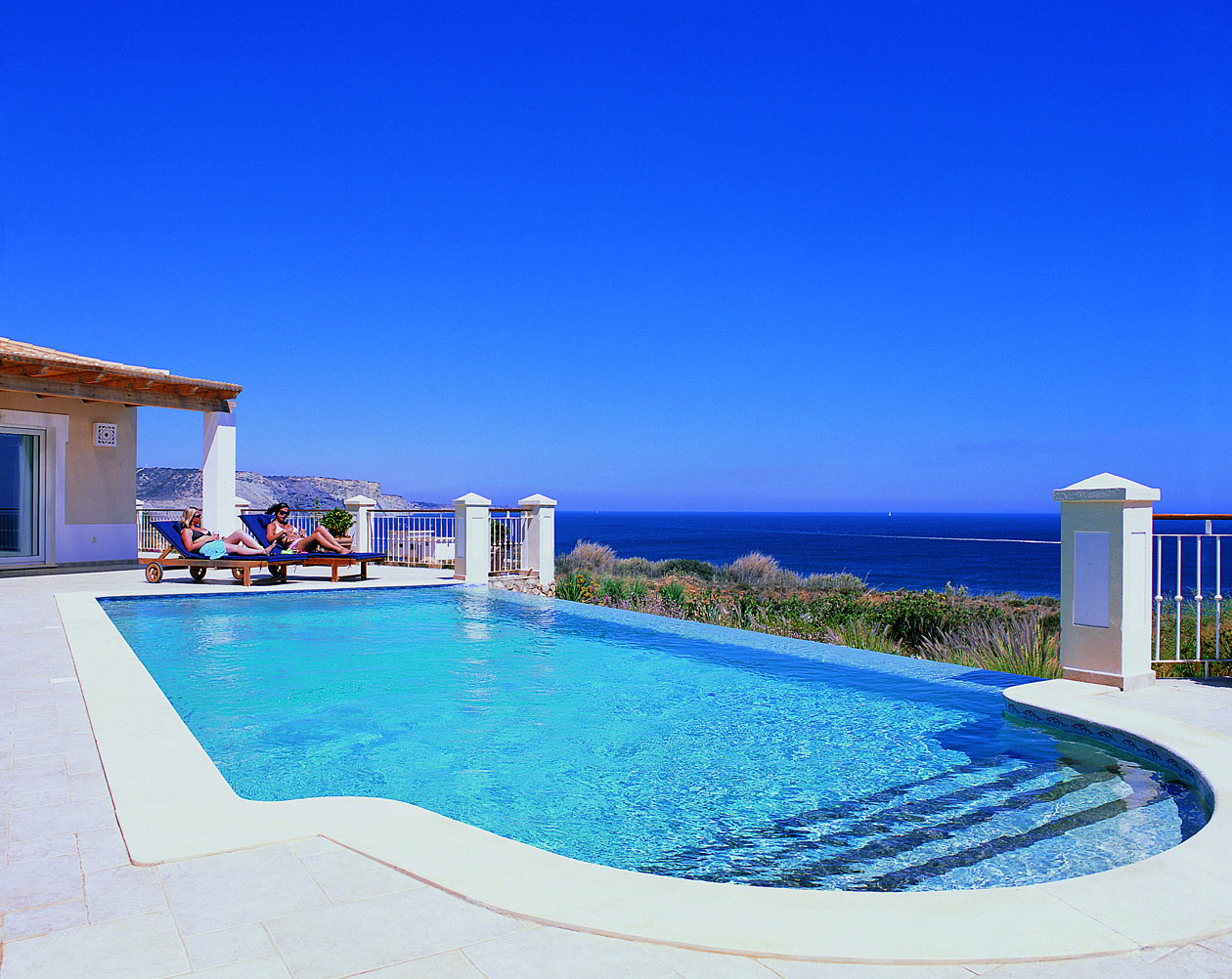 RdL287 V83 Pool+Sea.jpg