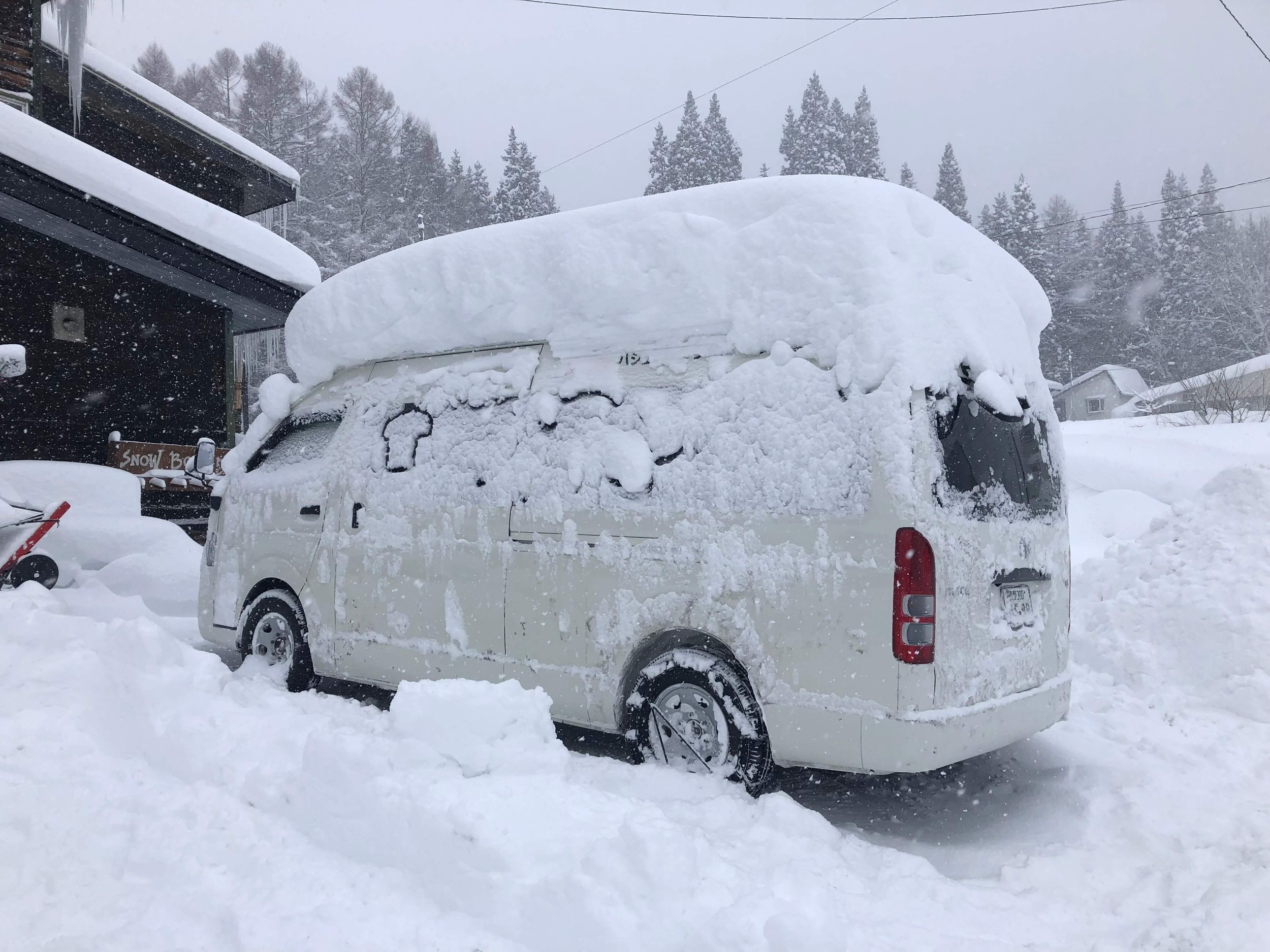 Snowlocals Muffin Van