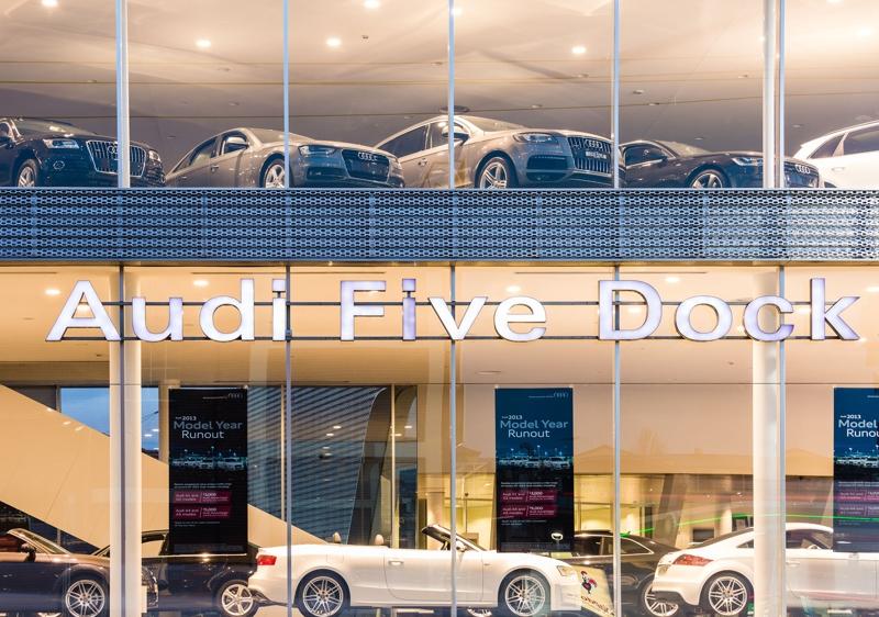 Audi_Five_Dock_01_LR.JPG