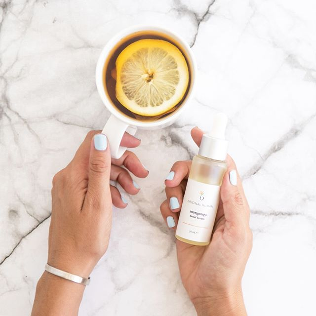 Getting through Monday morning blues with easy luxury skin care and lemon tea, and throwing in a few #mondaymotivation quotes for good measure. What's your favourite way to start the week?