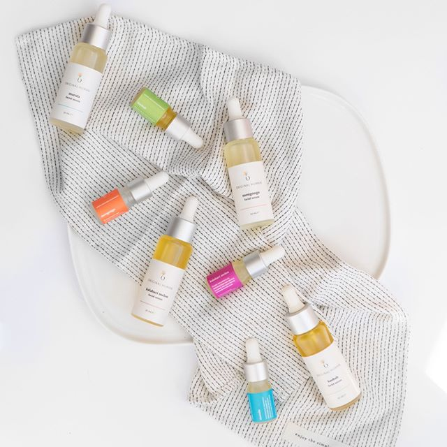 Skin care is SO personal. We all know that even if something works for us doesn't mean it'll work for someone else. What are some things that you know work for you (or don't) even if they go against conventional wisdom?⁣ We'll start... face oils are underrated in skin care and there is a face oil for almost every skin type but not every oil works for all skin types.⁣ Comment below on some of you skin care gems that might go against the grain?