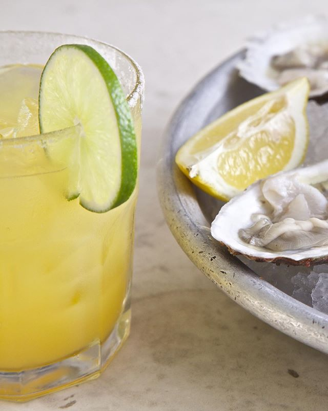 SWIPE➡️ Happy Tuesday!☀️ What a perfect Summer day for some weekday margs (1/2 price) and $1 oysters! Today and EVERY Tuesday at Morgans. Let's go!! 🍹🍹