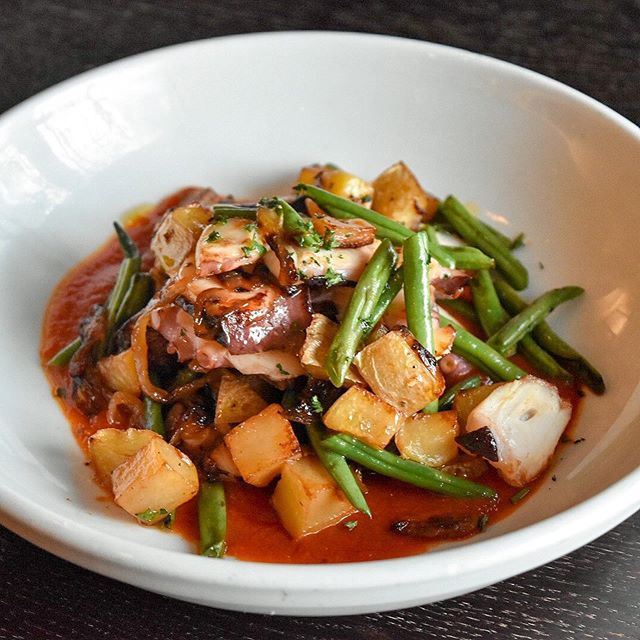 Happy Tuesday! Treat yourself to our #GrilledOctopus w/ Yukon Gold Potatoes, Haricot Verts, Kalamata Olives and Romesco Sauce... #YUMMY Join us!